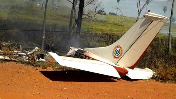 巴拉圭前总统驾驶私人飞机失控 致4岁女童截肢