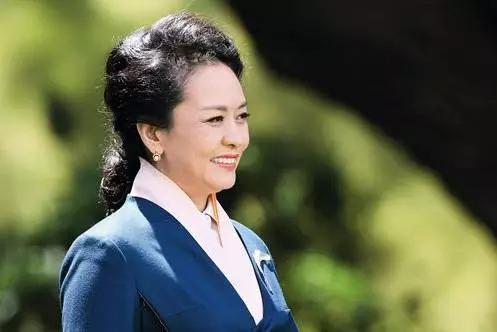 她是中国香港影视女演员,1992年主演《新白娘子传奇》掀起全国热潮图片