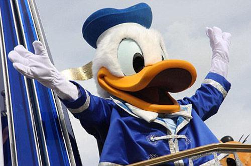 上海欲打造迪士尼马拉松 在唐老鸭们陪伴下跑步